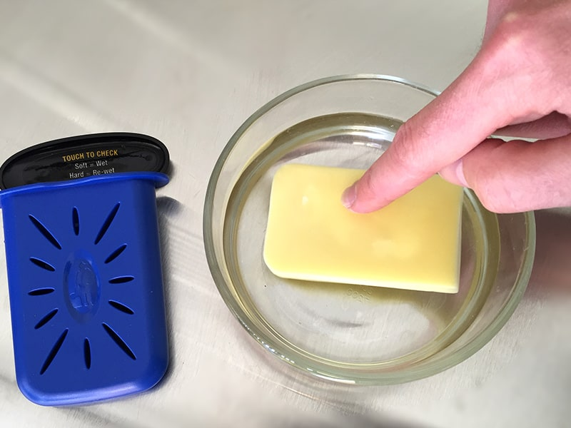 Soaking the humid-i-bar sponge