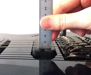 Measuring guitar pickup height