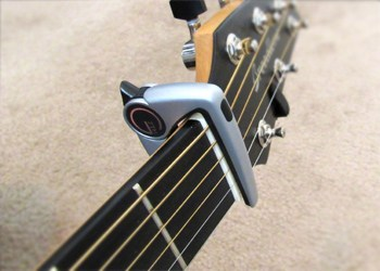 The G7th capo stored on the headstock