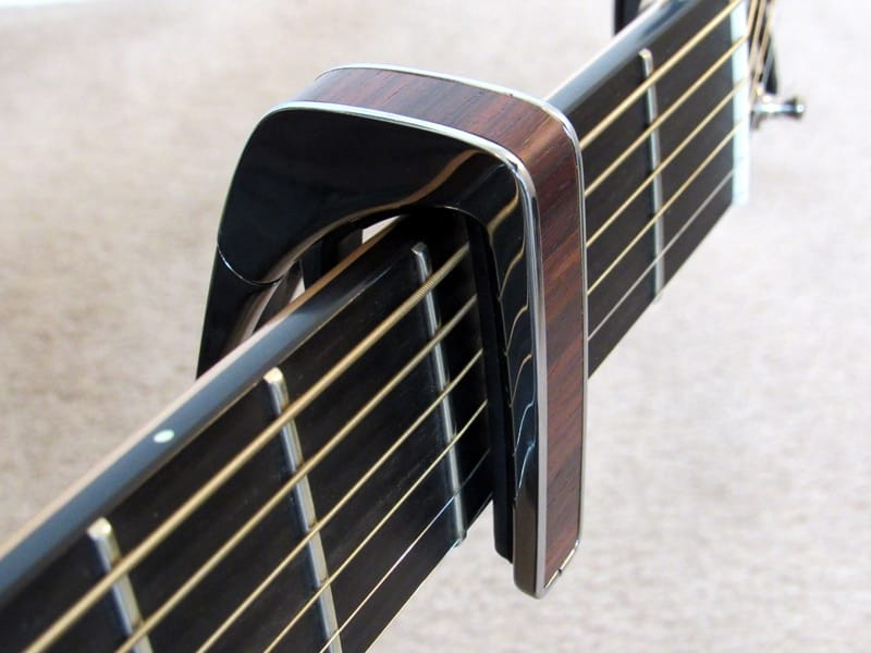 Thalia capo - top placement