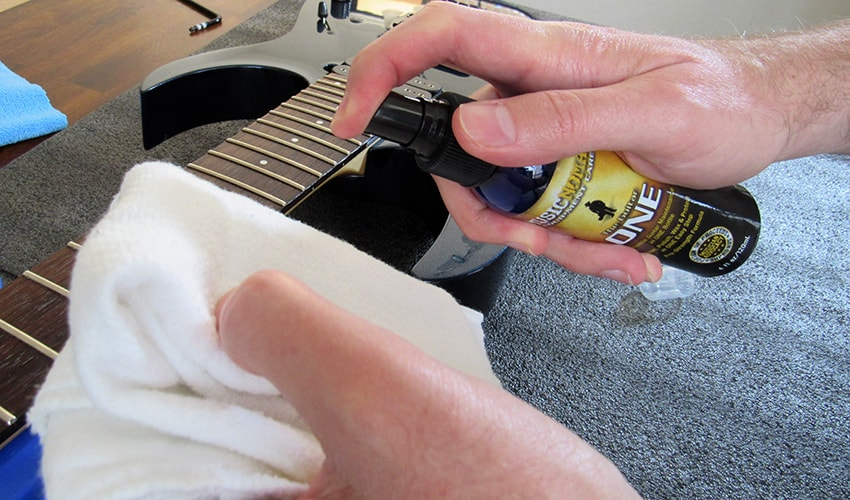 Applying Music Nomad Guitar One Polish