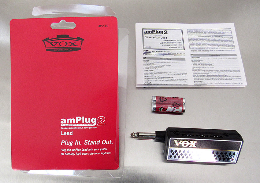 VOX amPlug 2 Lead, batteries, and instruction manual