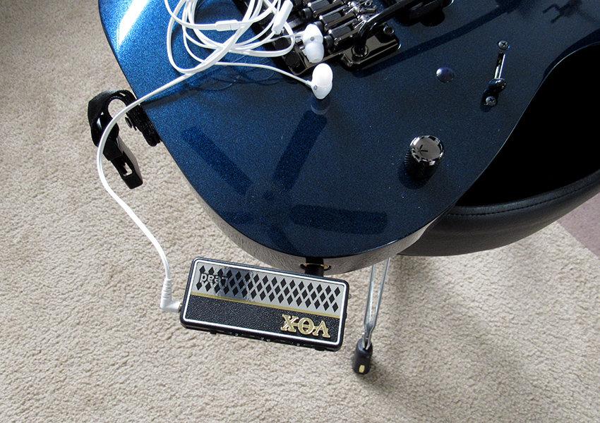 The amPlug plugged into a standard guitar jack
