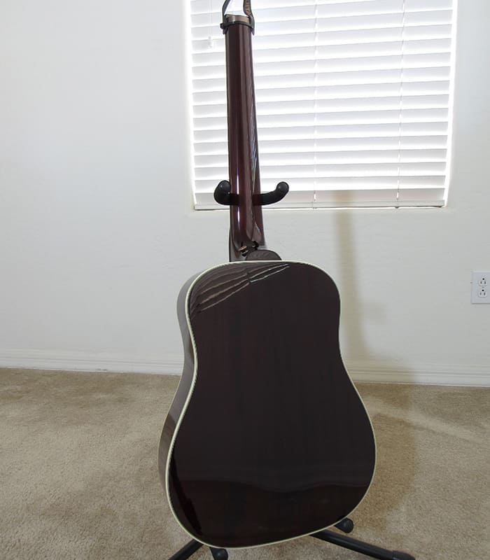 Traveler Guitar AG-450EQ back view