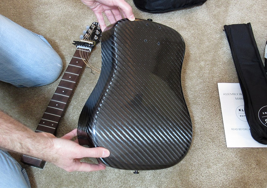 The body of the KLŌS travel guitar is made of tough carbon fiber