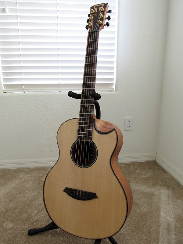 Front view of the CL-3EQ acoustic travel guitar