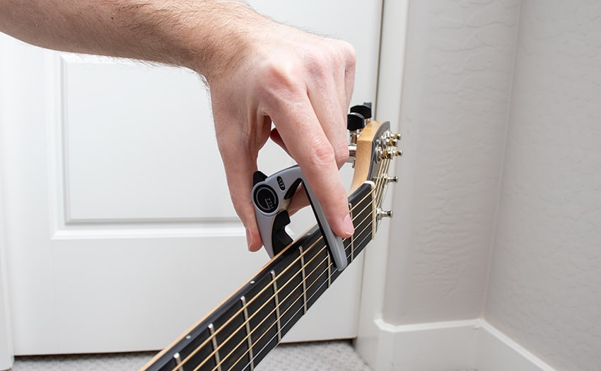 Placing the capo from the top